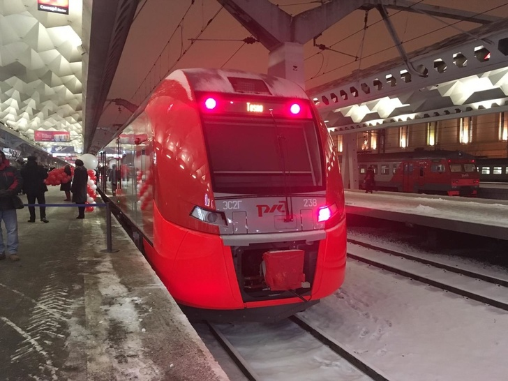 "На маршруте Санкт-Петербург - Тосно пущены новые электропоезда ""Ласточка"""