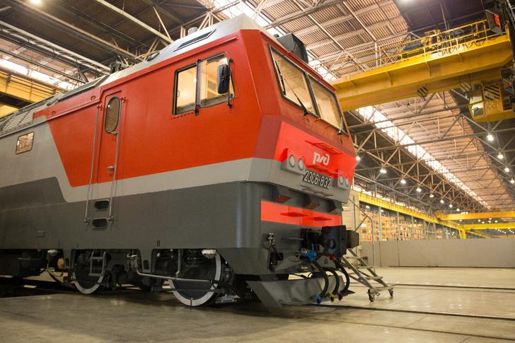 «Уральские локомотивы» выполнили годовой контракт по производству электровозов 2ЭС6
