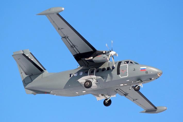 Самолёт L-410UVP-E20 ВВС России (c) Wikimedia Commons, лицензии CC-BY-SA