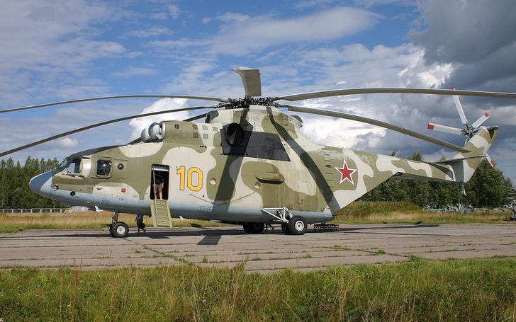 Новый транспортный вертолет Ми-26 пополнил соединение армейской авиации ВВО в Хабаровске