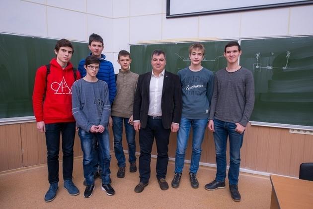 Российские школьники завоевали шесть золотых медалей на Международной естественнонаучной олимпиаде