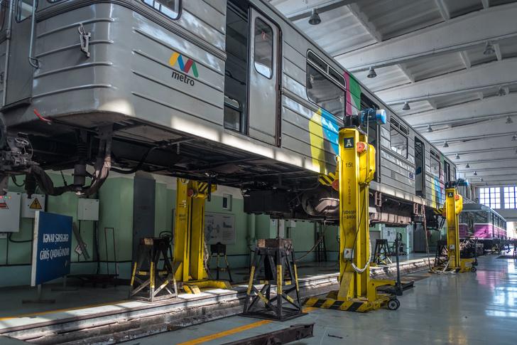 Российское машиностроительное предприятие поставило в Азербайджан партию домкратных установок