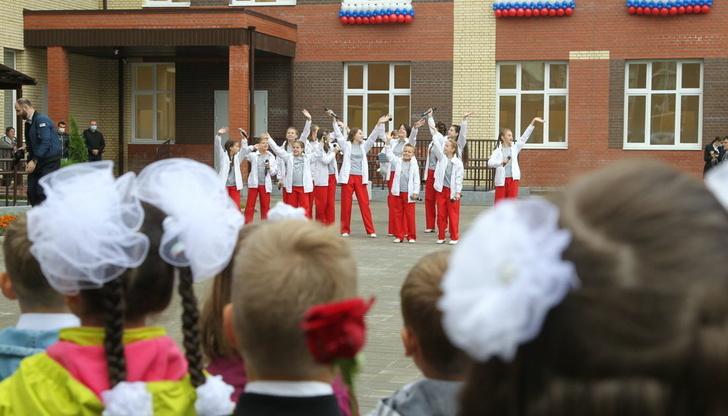 Впервые за 30 лет: в Ярославле открылась новая школа на улице Чернопрудной