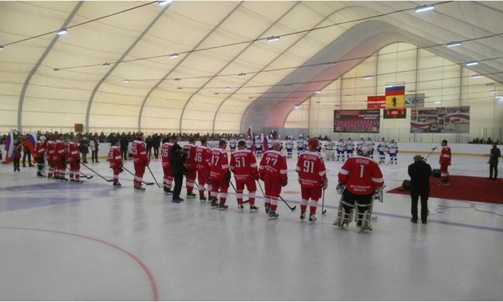 Звезды хоккея открыли новый ледовый комплекс в Ярославской области