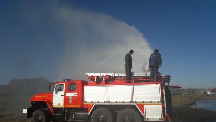 70 пожарных автоцистерн с улучшенными характеристиками для МЧС выпустили в Новосибирской области