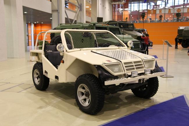 Высокомобильное колесное транспортное средство Охотник на агрегатах ВАЗ/УАЗ