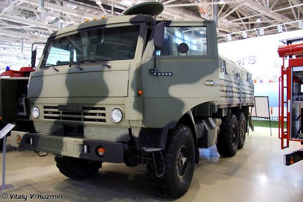 Бронированный автомобиль КАМАЗ-5350 с комплектом дополнительной защиты и защищенным многофункциональным модулем ММ-501.