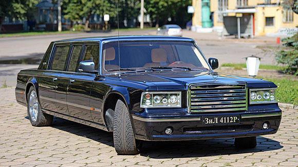 В распоряжении «Известий» оказались эксклюзивные фотографии нового российского лимузина ЗИЛ-4112Р