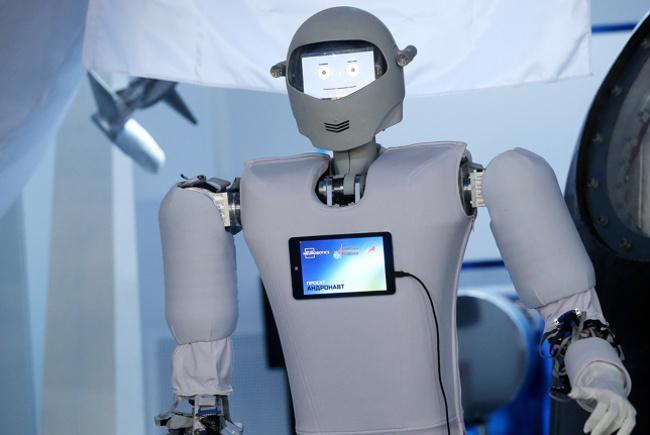 Так выглядит российский робот-космонавт. Фото: Сергей Фадеичев/ТАСС