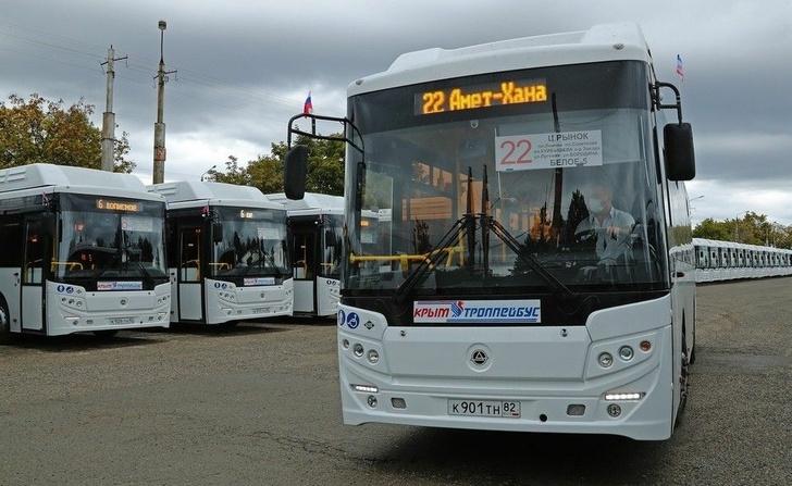 В Крым приехало больше 400 новых автобусов