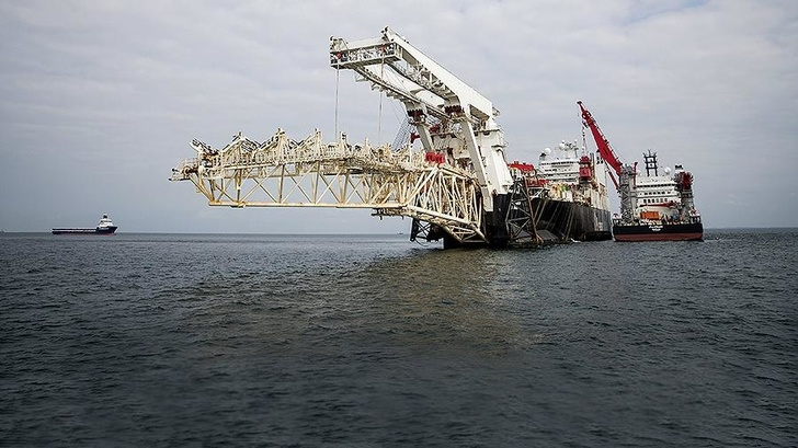 «Газпром» уложил около 300 км труб в рамках «Северного потока – 2»