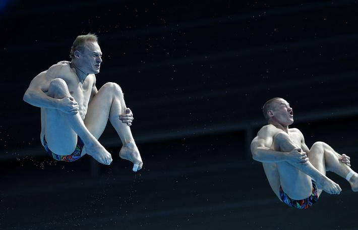 Российские спортсмены Евгений Кузнецов и Илья Захаров (слева направо)