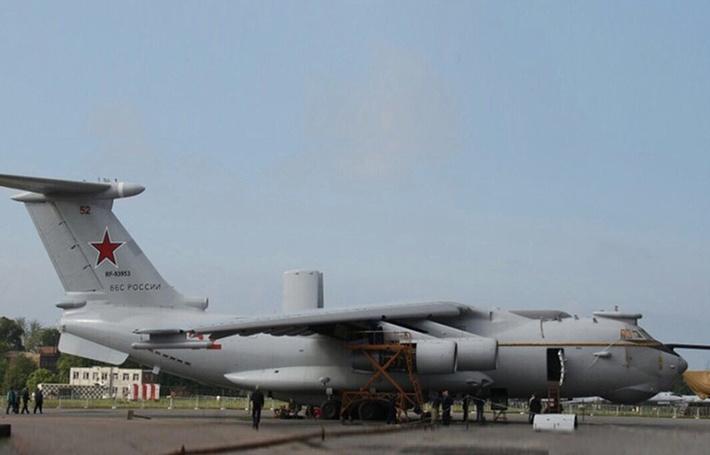 Самолет дальнего радиолокационного дозора и наведения А-100