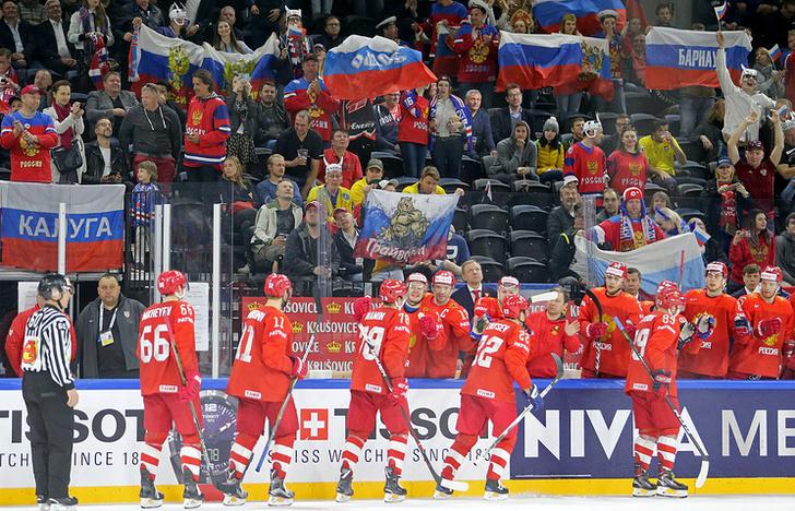 Игроки сборной России после победы в матче группового этапа чемпионата мира по хоккею с командой Белоруссии
