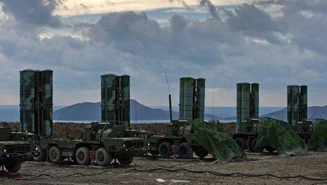 Новые ЗРС С-400 заступили на боевое дежурство в ЦВО (Саратовская область)