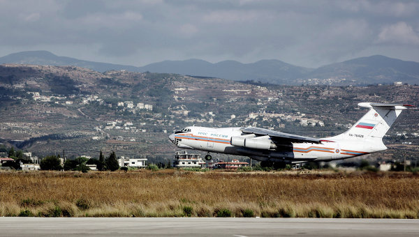 Самолет Ил-76 МЧС России. Архивное фото