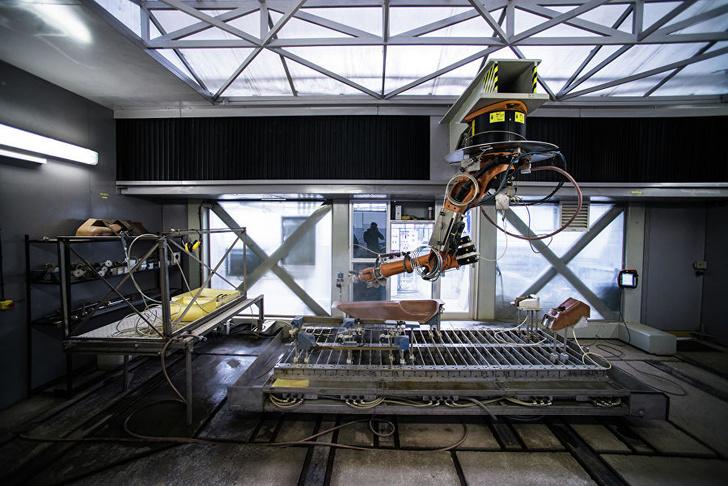 Роботизированный станок для резки композитных деталей
