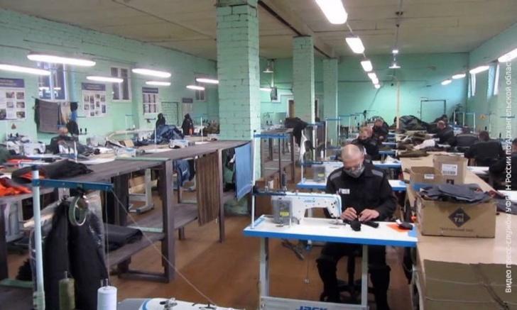 Более 100 осуждённых 12-й колонии в Холмогорском районе получили работу за колючей проволокой