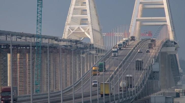 На Крымском мосту зафиксирован новый рекорд трафика