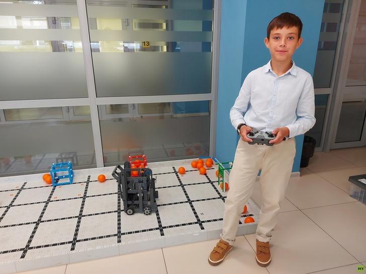 Y2RuaS5ydC5jb20vcnVzc2lhbi9pbWFnZXMvMjAyMS4wNi9vcmlnaW5hbC82MGRjODg1NWFlNWFjOTFhOGI2NjMzMDcuanBnP19faWQ9MTQyMTYz Победы школьников и студентов из России на международных соревнованиях по робототехнике