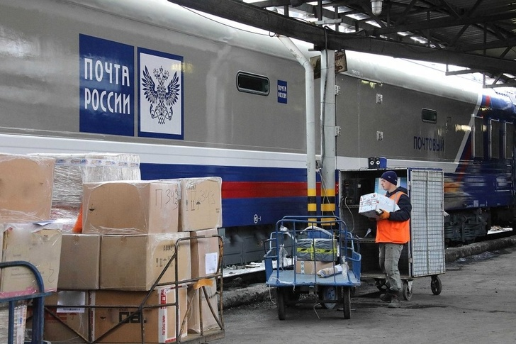 Новые почтовые вагоны доставляют посылки из Китая на Урал