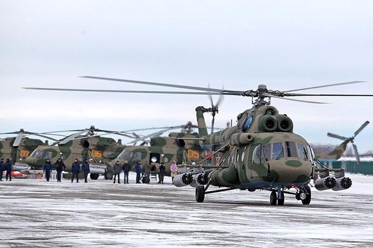 Военные летчики Челябинской области получили 8 модернизированных вертолетов