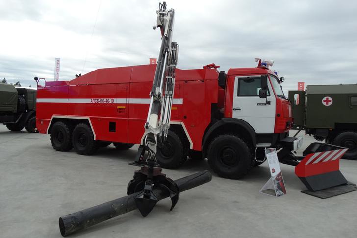 Черноморский флот получил пожарные машины АПСБ-6,0-40-10 с