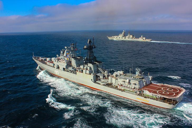 """Ракетный крейсер """"Маршал Устинов"""" и БПК """"Североморск"""" зашли в пролив Ла-Манш"""