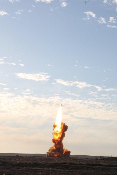 """Старт ракеты 53Т6 комплекса ЗРК А-135 """"Амур"""", полигон Сары-Шаган в Казахстане"""