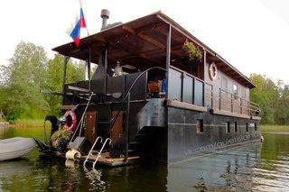 Дома на воде: хаусботы производства Саратова