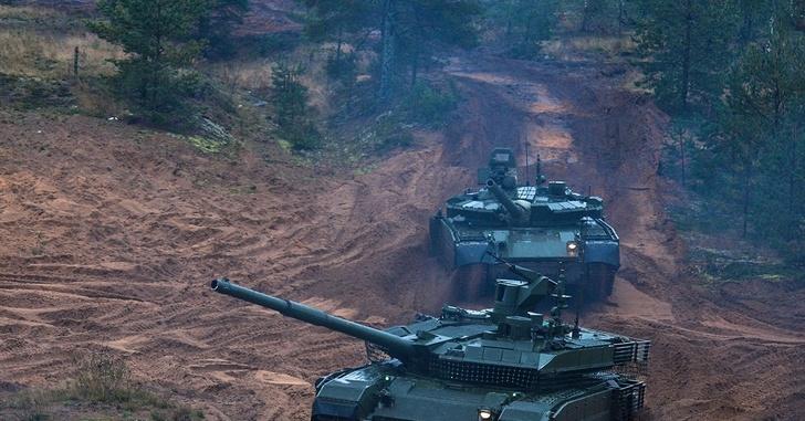 Т-90М и Т-80БВМ