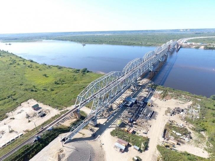 Строительство железнодорожного моста через Зею