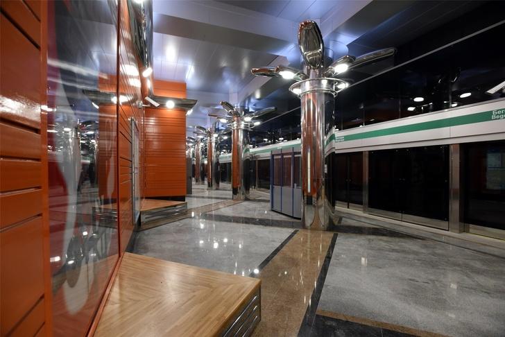 В Санкт-Петербурге открыли две новые станции метро