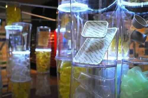 Одноразовая посуда и бытовые изделия из быстроразлагаемых естественным путём биополимеров