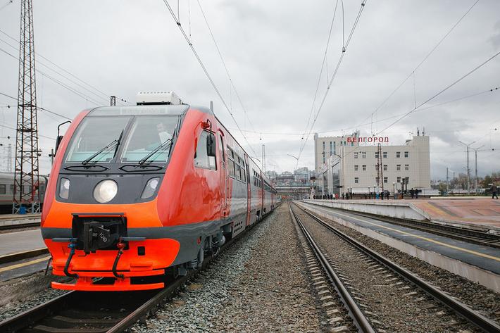 """На линии """"Белгород – Нежеголь"""" начал рейсы новый рельсовый автобус РА-2"""