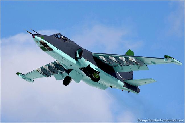 10 новейших самолетов Су-25СМ3 поступили на авиабазу в ЮВО