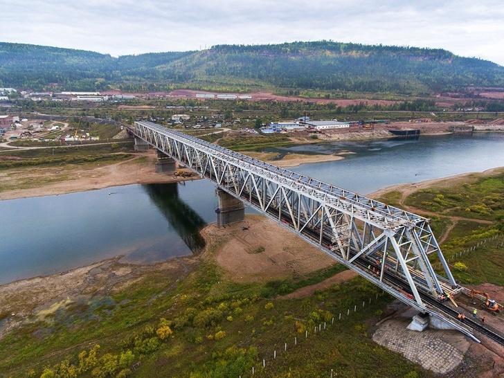 На БАМе открыт 2-й мост через Лену
