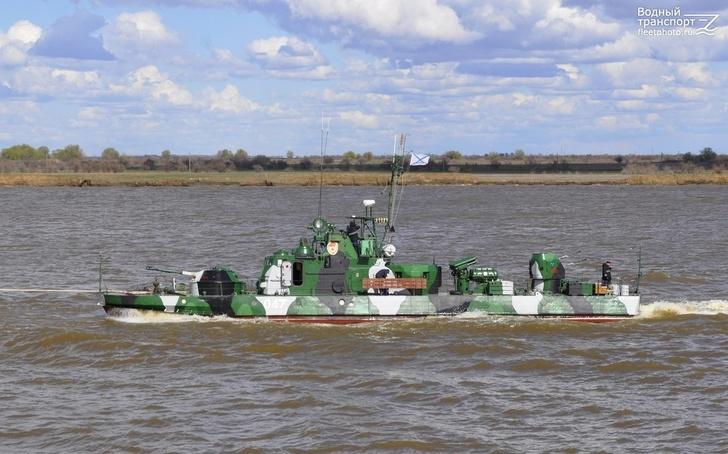 Корабли Каспийской флотилии идут в Ростов-на-Дону