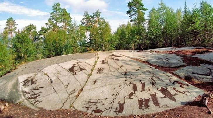 На островах Канозера удалось примерно определить возраст рисунков-петроглифов