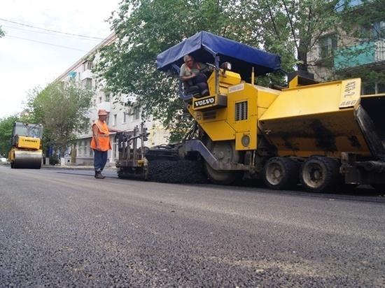 Вперед графика: в Волгограде обновили 36 дорог из 56 запланированных на 2018 год