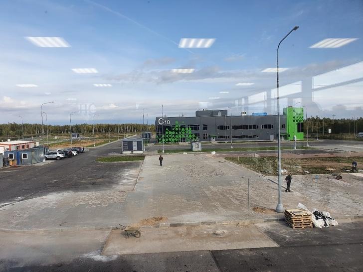 Индустриальный парк в процессе завершения благоустройства территории. Сентябрь 2020