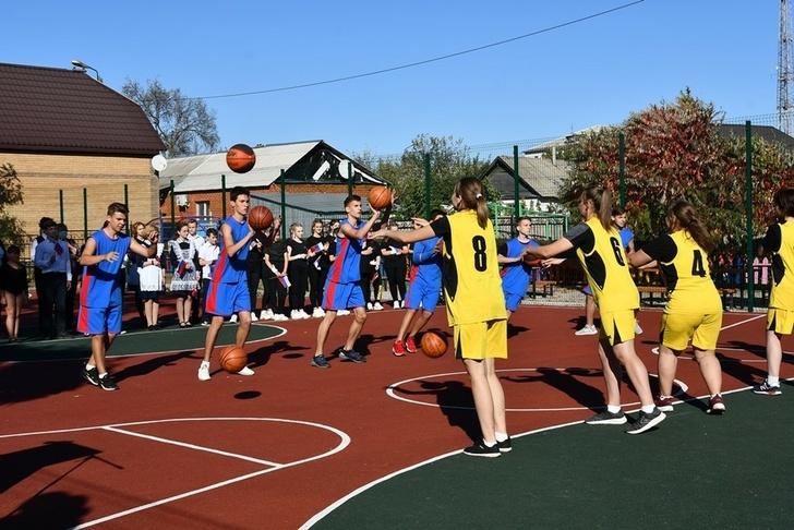 Власти муниципалитета открыли новые спортплощадки вЧернянке инаКрасном Острове - Изображение 21
