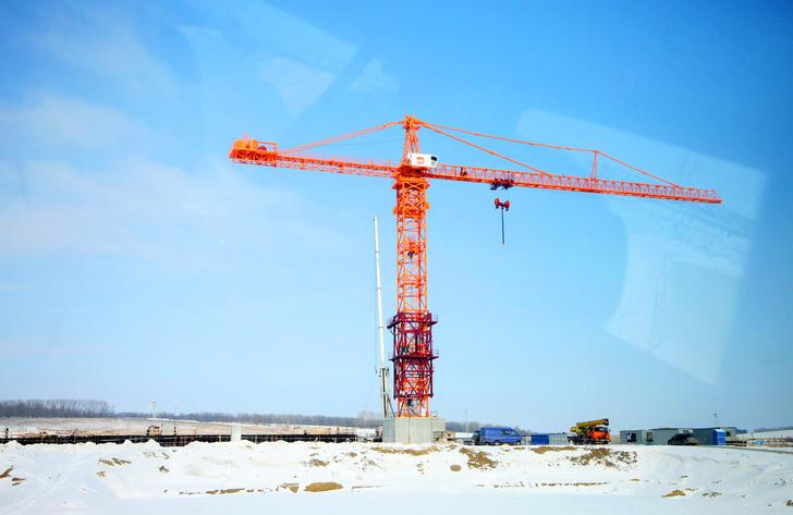 Башенный кран TDK-40.1100 на строительстве энергоблока