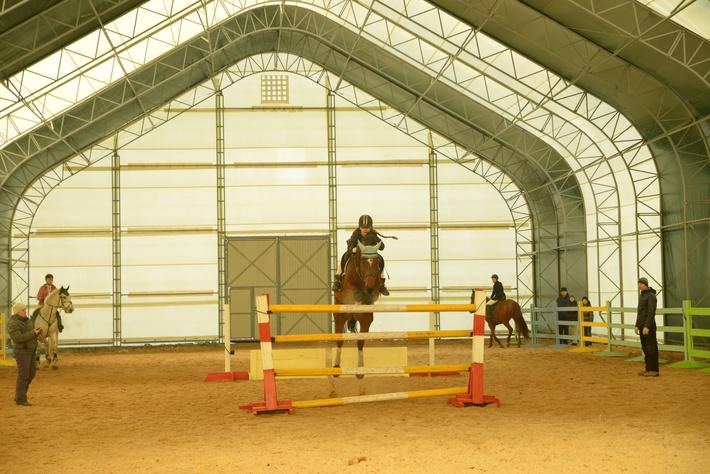 В Хакасии открыли конный манеж