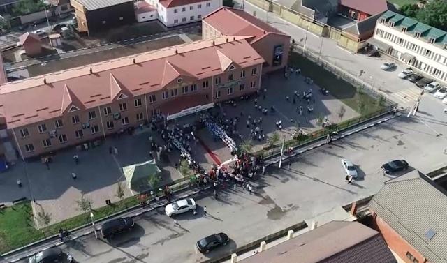 В селе Катар-Юрт Чечни открылись две новые школы
