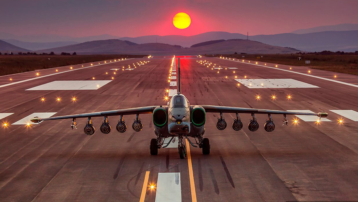 Su-25 attack aircraft  - Page 12 F_ZDI1NGFuZHp5b3h6M2YuY2xvdWRmcm9udC5uZXQvMTM3MzUwNDBfNjM2OTgyNzkzMTM3OTU4XzY1NTYxNjI3MzYwMTExNzE1MF9vYS5qcGc_X19pZD0xMDQ3Mzg=