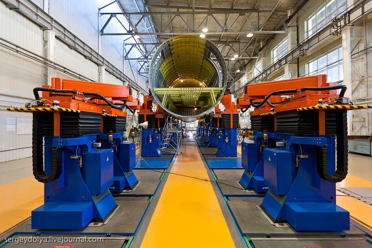 Sukhoi Superjet 100 немецкие автоматизированные стенды BRÖTJE