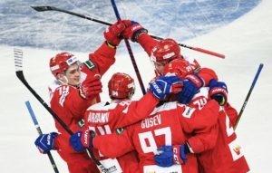 Хоккейная Российская сборная чемпион