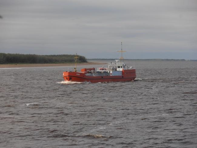 """рефрежираторное судно """"Нум"""" (фото capun)"""