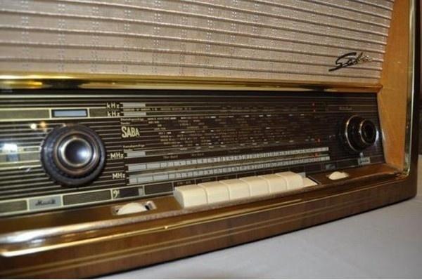 radio600.jpg